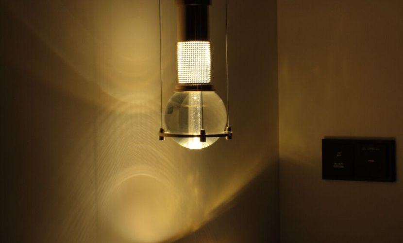 8-guestroom-courtesy-light.jpg