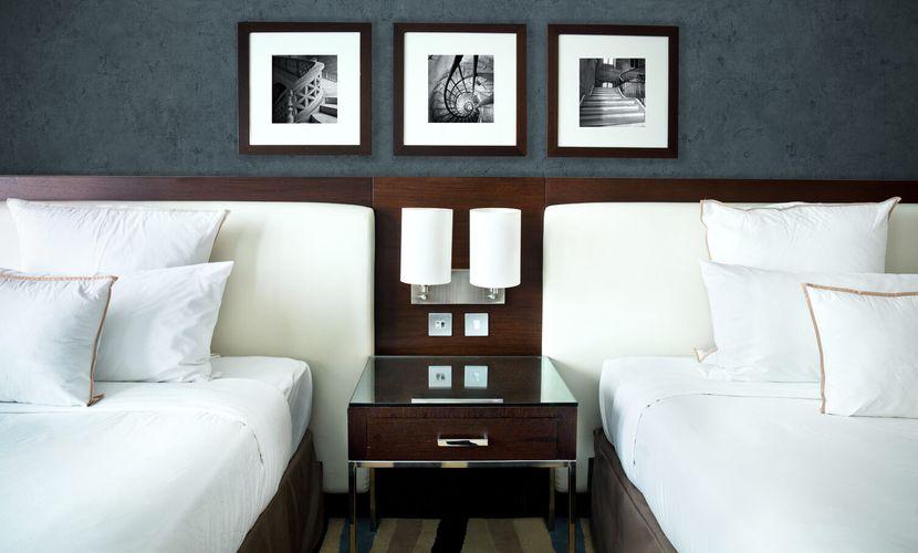 Set-inStone-Cement-Hotel_Room (002)